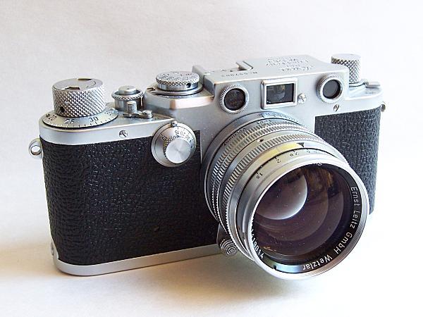 Description English: The Leica IIIf 35mm rangefinder camera of 1950, shown with 50mm f1.5 Summarit lens. This was the last Leica Thread Mount (LTM) camera before the M-bayonet M3 of 1954. The IIIf was also the second-to-last Leica LTM, the last being the short-lived (1957–1960) IIIg. Suomi: Leica IIIf -mittaetsinkamera (35 mm) vuodelta 1950 Summarit 50 mm f/1.5 -objektiivilla. Date 11 September 2005 Source Self-published work by Rshino Author Rei Shinozuka (Rshino) Camera Model Kodak EasyShare DX7440. GIMP photo software.